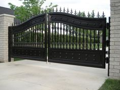 Beautiful Wrought Iron Entrance Gate for Driveway, Find Details about Driveway Iron Gate, Security Sliding Gate from Beautiful Wrought Iron Entrance Gate for Driveway - Xiamen Lion Iron Doors Co. Front Gate Design, House Gate Design, Door Gate Design, Fence Design, Wrought Iron Driveway Gates, Metal Gates, Wooden Gates, Entrance Gates, House Entrance