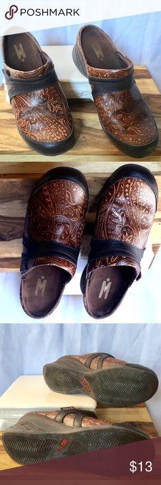 💠MOZO LEATHER CLOGS 8.5 💠MOZO LEATHER CLOGS 8.5 MOZO Shoes Mules & Clogs