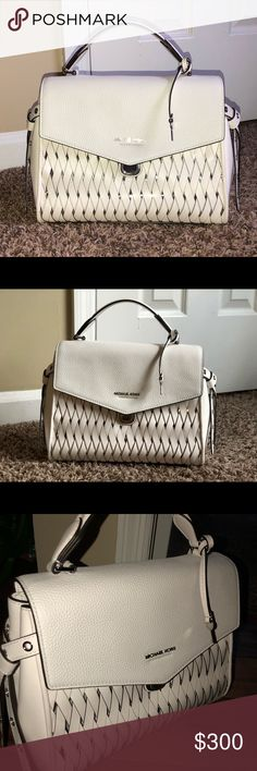 Micheal Kors White Bag Only used 3 times. Just isn't my thing.  Bought back in January of 2018, First ever bag purchased in Lexington, KY.  Beautiful Bag Michael Kors Bags Shoulder Bags