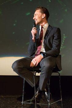 Tom Hiddleston. Via Torrilla.tumblr.com