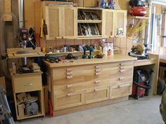 I like how the miter saw is level with the workbench.  Need to have the miter saw first. - RRG