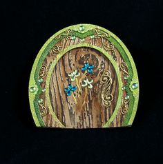 Tutorial for a Leprechaun Wee Folk Door using Globecraft & Piccolo products.