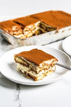 Delicious, no bake, easy and EGGLESS Tiramisu recipe - my take on an Italian classic dessert. This non-tradtional eggless tiramisu recipe is the most perfect no bake dessert for every coffee lover Eggless Desserts, Eggless Recipes, Eggless Baking, Pudding Desserts, No Bake Desserts, Delicious Desserts, Dessert Recipes, Cooking Recipes, Vegetarian Recipes