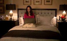 Victoria Grayson's bedroom-headboard-Revenge
