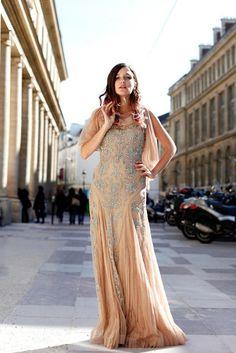 Eleonora Carisi...me encanta este vestido, aunque normalmente lleva unos conjuntos demasiado cargados para mi gusto.