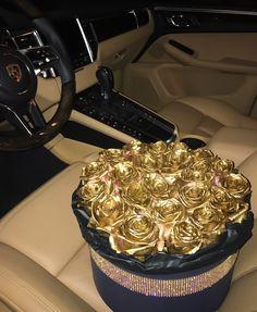✦⊱ Pinterest: dopethemesz ; bougie glam aesthetic ; gold rose bouquet ⊰✦