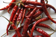 Looks like a Cayenne?  It's not, it's the Chile De Arbol (Spanish for Tree Chile).  Don't get this small potent chile confused with the Cayenne unless you love your food truly hot.