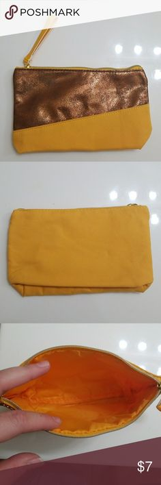 Make-up bag Yellow and gold, small, make up bag. NWOT Ipsy Bags Cosmetic Bags & Cases
