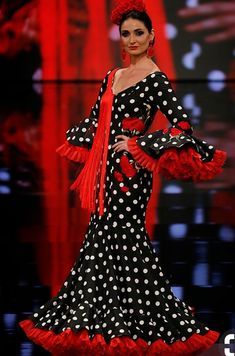 Mof and Art, 2019 Mexican Costume, Flamenco Costume, Flamingo Dress, Spanish Dress, Spanish Fashion, Mexican Dresses, Ballroom Dress, African Attire, Traditional Outfits