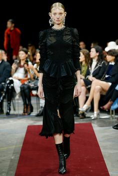 Givenchy Fall 2015 Ready-to-Wear Fashion Show: Complete Collection - Style.com
