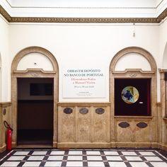 Vinil para exposição no Banco de Portugal, Leiria by Fausto Vicente