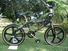 1980 SE Racing P.K. Ripper - BMXmuseum.com. Scaring the snot out of kids in the 80s with this ride!