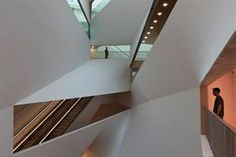 Herta and Paul Amir Building, Tel Aviv Museum of Art | Preston Scott Cohen    CRAZY intersections