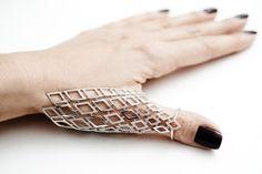 Runa Jewelry - HARNESS Ring (gold white, sapphire white)