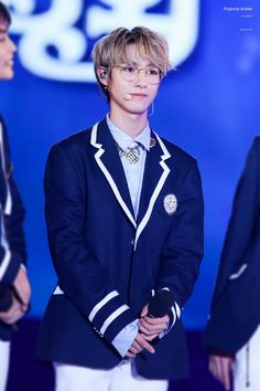 I don't want him to grow up😭💕 Johnny Lee, Double Picture, The Big Hit, Huang Renjun, Korean Name, Always Smile, K Idol, Winwin, Taeyong