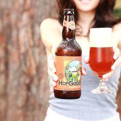 AHop Goddess é uma american IPA magníficada OverHop Brewing Co.! Nessa cerveja os caras simplesmente ensinaram como se faz um dry hoopping.   Não é exagero toma pra ver! O nome e rótulo faz jus ao líquido envasado. | #Cerveja #CervejaArtesanal #Cervejeiro #Cervejas #CervejasArtesanais #Beer #Beers #CraftBeers
