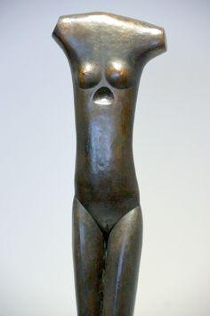 Alberto Giacometti - 4 juin au 1 novembre 2015 - Aux Capucins / Landerneau. La femme qui marche, dont le mouvement inspiré des représentation égyptiennes, est a peine esquissé.