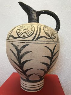 """Greek Ancient Amphora Reproduction of Minoan Period, """"Naturalistic"""" Style"""