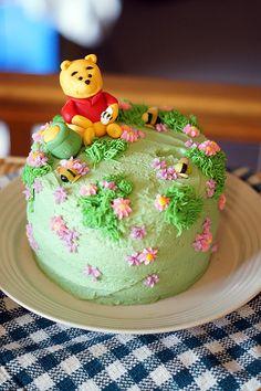 Afbeeldingsresultaat voor winnie the pooh birthday cake Winnie The Pooh Cake, Winnie The Pooh Birthday, Bear Birthday, Birthday Cake, Birthday Ideas, Cake Designs For Girl, Bee Cupcakes, Bear Cakes, Cake Ingredients