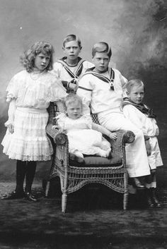 The royal children of 1904: from left, Princess Mary (future Princess Royal), Prince Albert (future King George VI), Prince Edward (future D...