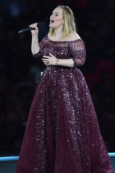 Adele Kicks Off Her Wembley Run With a Special Tribute to the Grenfell Fire Victims Adele Daydreamer, Adele Adkins, Princess Prom Dresses, Zaftig, Female Singers, Festival Outfits, Hollywood Actresses, Hijab Fashion, Plus Size Dresses