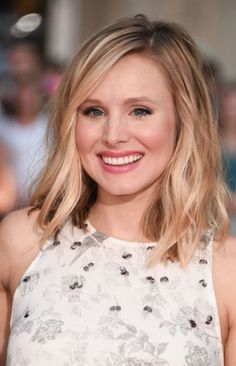 Kristen Bell Shares her Drugstore Beauty Routine. Great tips and ideas!