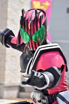 Kamen Rider Decade, Clone Wars, Baby Car Seats, Hero, Manga, Drawing, Wallpaper, Twitter, Cartoons