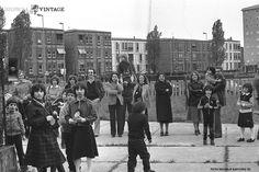 """""""Festa a scuola"""" - Pendolina - 1980 http://www.bresciavintage.it/brescia-antica/fotografie-d-autore/festa-scuola-pendolina-1980/"""