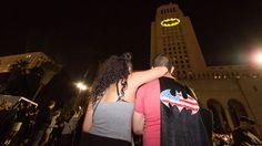 Welcome to Gabriel Atanbiyi Blog: Los Angeles lights up City Hall with Batman signal...