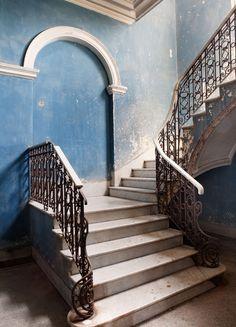 """fading """"cuba blue"""" walls"""