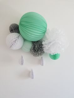 Green and gray bedroom decor Source by Mrslampion Grey Bedroom Decor, Party Themes, Themed Parties, Honeycomb, Green And Grey, Baby Room, Special Events, Garland, Lanterns
