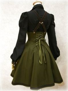 Back of steampunk outfit. Corseting lace up detail on back of skirt, with braces/suspenders. Are there pics of the front of this outfit? Steampunk Rock, Mode Steampunk, Steampunk Dress, Victorian Steampunk, Steampunk Costume, Steampunk Clothing, Steampunk Necklace, Steampunk Outfits, Gothic Clothing