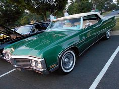 Mean green car Electra 225, Buick Electra, Vintage Cars, Antique Cars, Plymouth Muscle Cars, American Classic Cars, Old School Cars, Us Cars, Sexy Cars