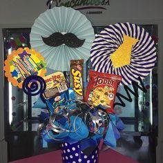 Creaciones D'encantos C.A. 🌺 (@dencantos) | Instagram photos and videos Photo Finder, Ideas Para Fiestas, Chocolate Gifts, Hamper, Free Stock Photos, Fathers Day, Display, Candy, Instagram