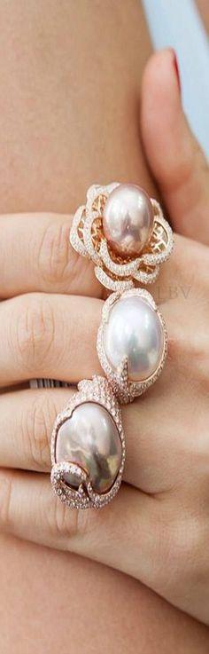~Yoko London Pearl Rings | The House of Beccaria#