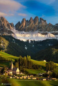 Dolomites sunset by Vittorio Delli Ponti on 500px  )