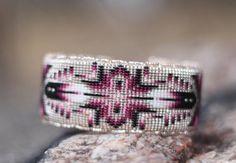 Native American (Oglala Lakota) handmade Beaded Bracelet Bead Loom Patterns, Bracelet Patterns, Beading Patterns, Native Beadwork, Native American Beadwork, Chevron Friendship Bracelets, Beaded Jewelry, Beaded Bracelets, Native American Crafts