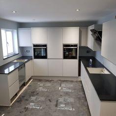 Nero Stella- Stevenage, Herts - Rock and Co Granite Ltd Galley Style Kitchen, Stevenage, Monochrome Fashion, Modern Spaces, Granite, Kitchen Cabinets, Luxury, Home Decor, Decoration Home