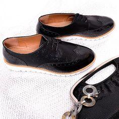 cierne-damske-poltopanky-s-oblou-spickou Red Pumps, Mary Janes, Black And White, Sneakers, Shoes, Spring, Fashion, Tennis, Moda