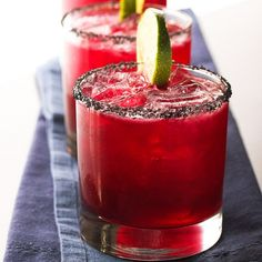 Hibiscus Margarita Cocktail with Gold Tequila, Cointreau, Lime Juice, Hibiscus Tea. Tea Cocktails, Tequila Drinks, Non Alcoholic Drinks, Summer Cocktails, Fun Drinks, Mixed Drinks, Cocktail Recipes, Cointreau Drinks, Beverages