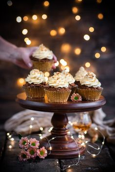 Christmas Cupcakes with a Surprise Filling – Eighty 20 Nutrition Almond Cupcakes, Gold Cupcakes, Cupcake Photography, Food Photography, Cupcake Cases, Ginger And Honey, Mince Pies, Christmas Cupcakes, Coconut Flour