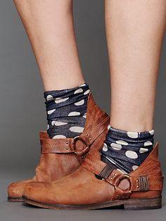 Mandalyn Ankle Boot and polka dot socks Sock Shoes, Shoe Boots, Ankle Boots, Ugg Boots, Look Fashion, Fashion Shoes, Fashion Models, Just Keep Walking, Polka Dot Socks