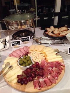 65 Ideas Backyard Party Appetizers For 2019 Charcuterie Recipes, Charcuterie And Cheese Board, Wine And Cheese Party, Wine Tasting Party, Appetizers For Party, Appetizer Recipes, Meat Cheese Platters, Reception Food, Food Platters