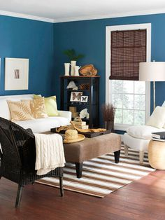 The rich teal blue color doesn't overwhelm when it is combined with classic neutrals.