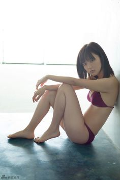 日本人气美少女真野恵里菜夏日写真 青春娇美_高清图集_新浪网