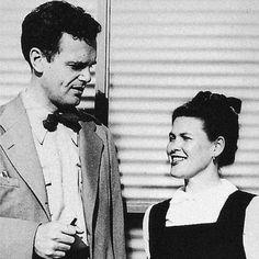 "Charles Ormond Eames, Jr (1907–1978) y Bernice Alexandra ""Ray"" (née Kaiser) Eames (1912–1988)"