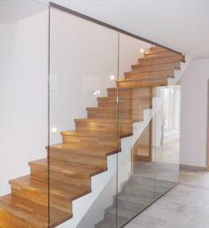 Guarda-corpo de vidro para corredor escuro sem luz do dia - Treppen - Outside Stair Railing, Staircase Railings, Staircase Design, Stairways, Spiral Staircases, Glass Stairs, Glass Railing, Floating Stairs, Stairs To Heaven