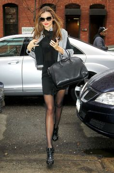 Miranda Kerr is always on-point! #streetstyle #modelsoffduty