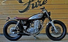 YAMAHA SR400 'WINE LEES' - PURE MOTORCYCLES - INAZUMA