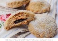 Biscotti integrali nocciole e cioccolato, ricetta facile, veloce, ricetta da colazione, merenda, senza burro, buoni e leggeri, senza lattosio, farina integrale